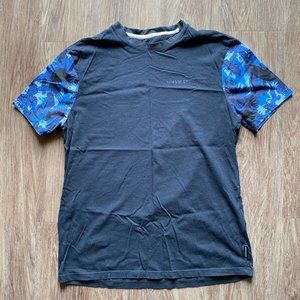 Armani Exchange Mens Size Medium